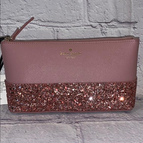 best sneakers e6767 83e46 Kate spade little Shiloh glitter makeup case NEW Boutique